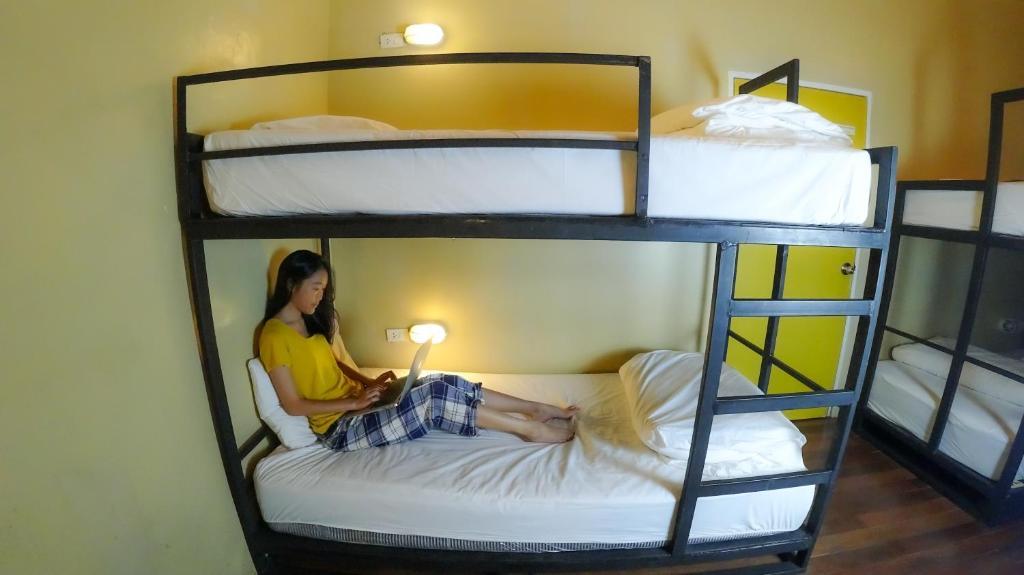 Ai Phuket Hostel & Cafe
