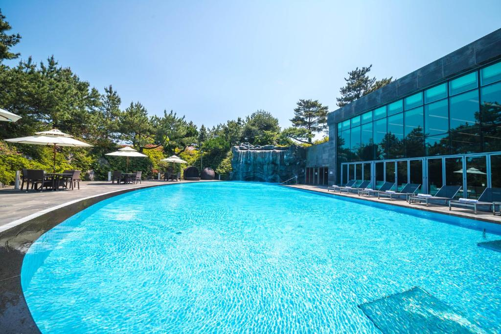 The swimming pool at or near WE Hotel Jeju