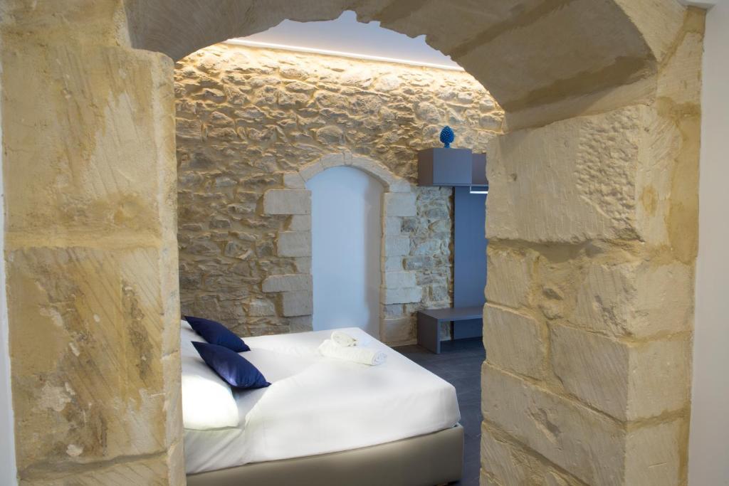 A bathroom at Ad Maiora - Design Rooms