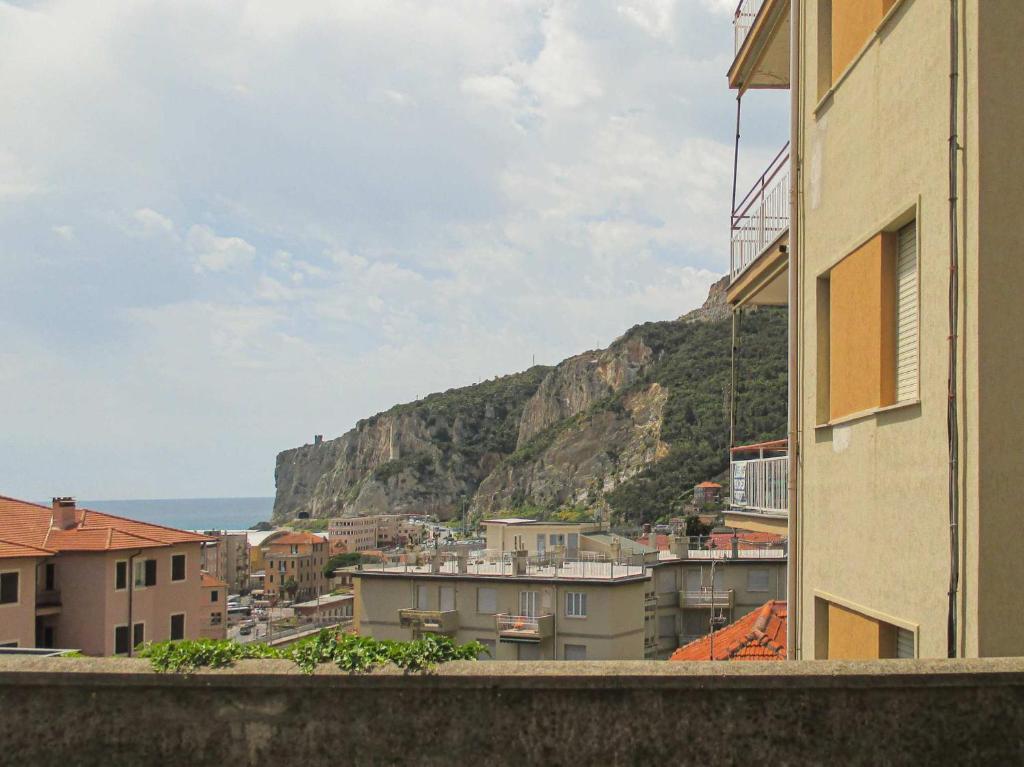 Letti A Castello Finalborgo.Apartment Uno Sguardo Sul Mare 6 Posti Finale Ligure Italy