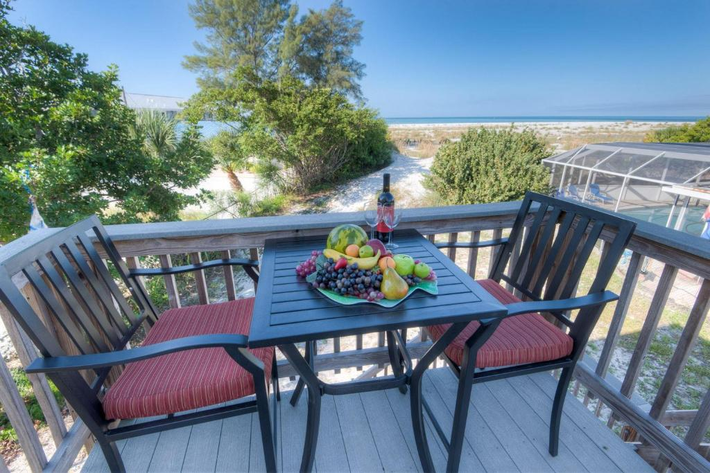 A balcony or terrace at Shells and Sunshine