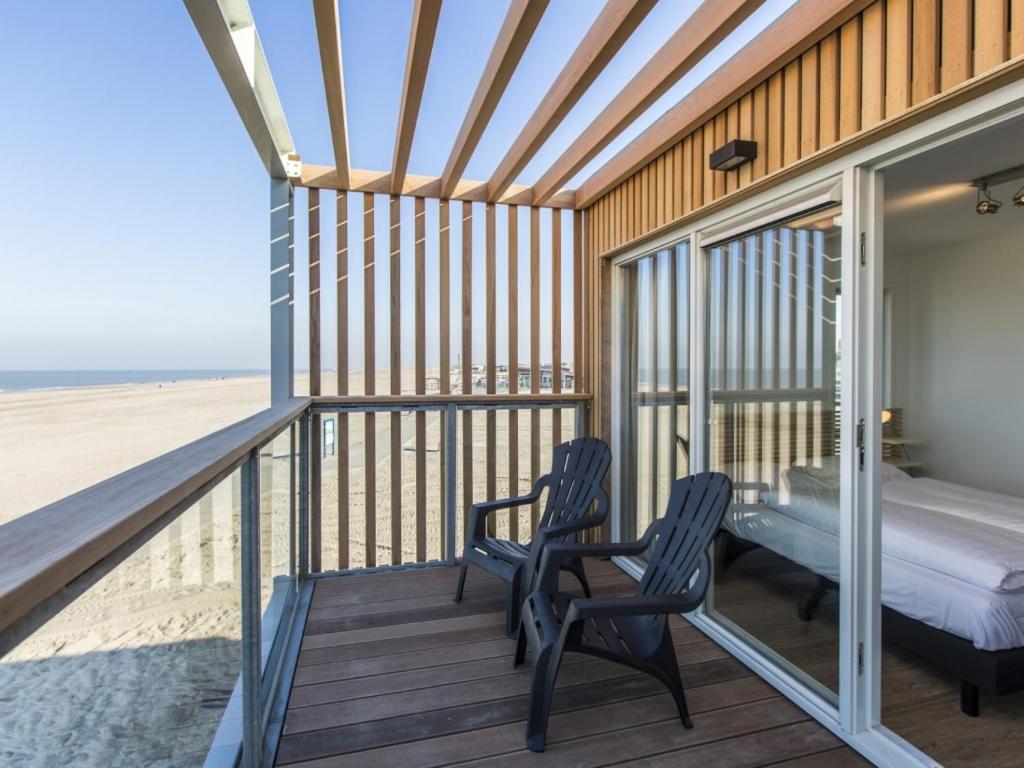 beachfront accommodation delft