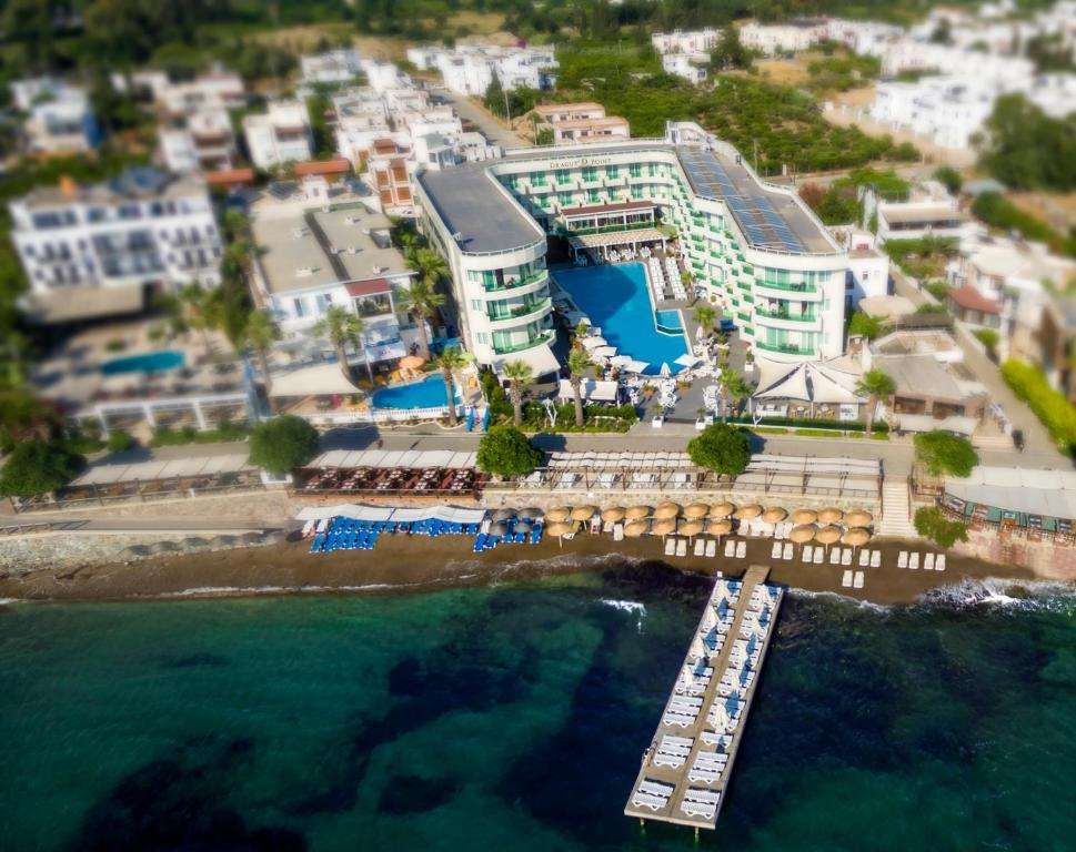 Blick auf Dragut Point South Hotel-All Inclusive aus der Vogelperspektive