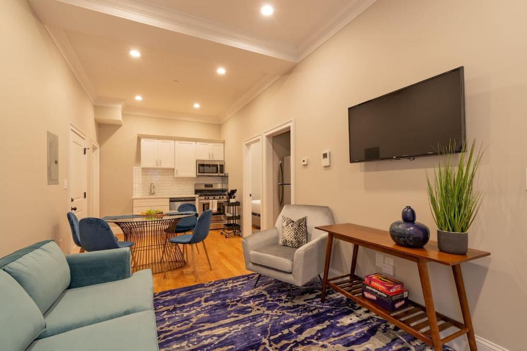 Apartment Beautiful 2 Bedroom North End Apt by Domio, Boston ...
