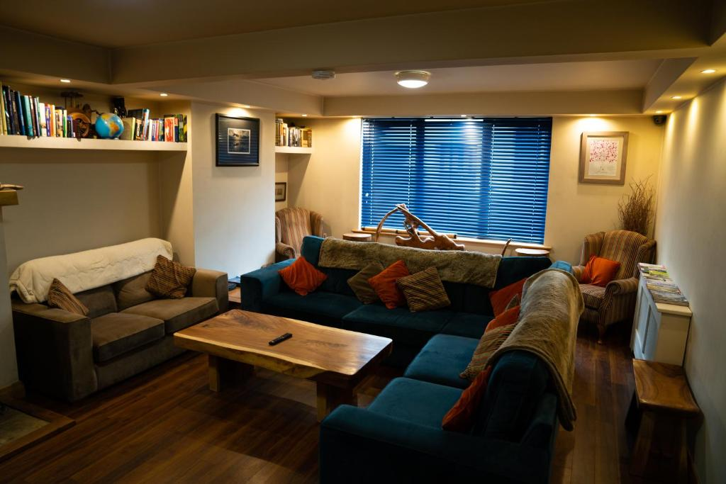 A seating area at Ballyhoura Luxury Hostel