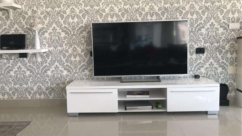 A television and/or entertainment center at Ozana apartament