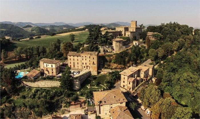 Vista aerea di Antico Borgo Di Tabiano Castello - Relais de Charme