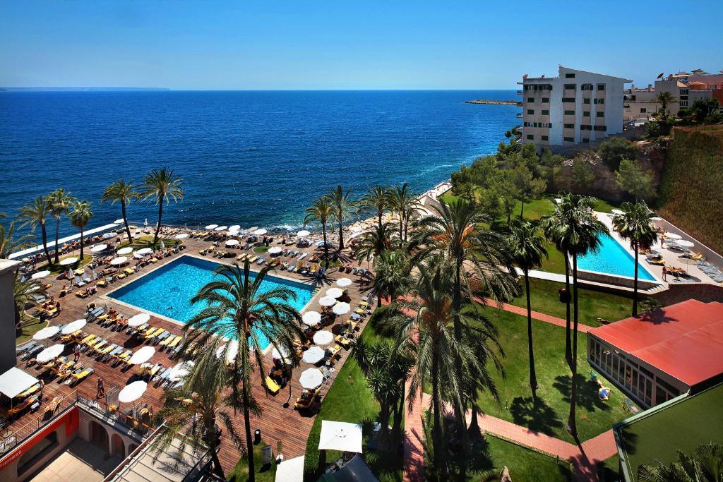 Вид на бассейн в Riu Palace Bonanza Playa & Spa или окрестностях