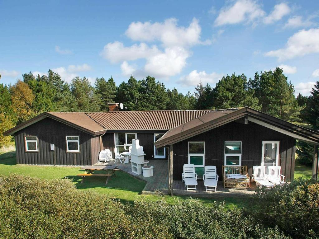 Five-Bedroom Holiday home in Pandrup 1