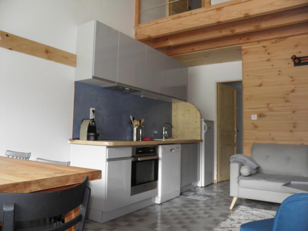 Apartment studio chambres mezzanine, Saint-Chaffrey, France ...