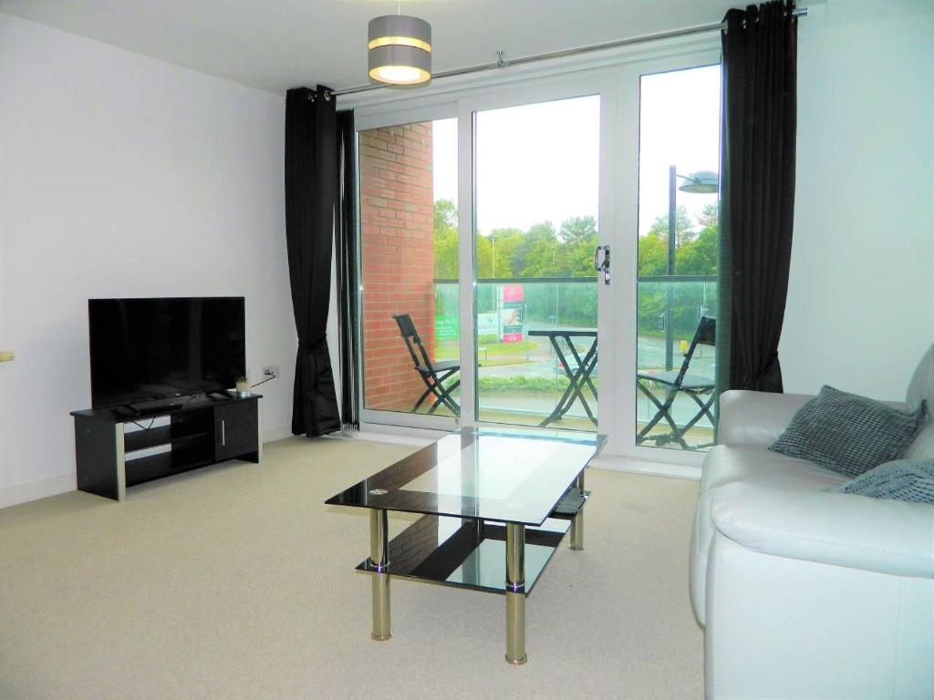 Apartment Next To Nationwide Head Office Swindon Uk