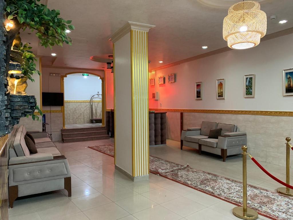 The lobby or reception area at القبة الذهبية للأجنحة الفندقية 2