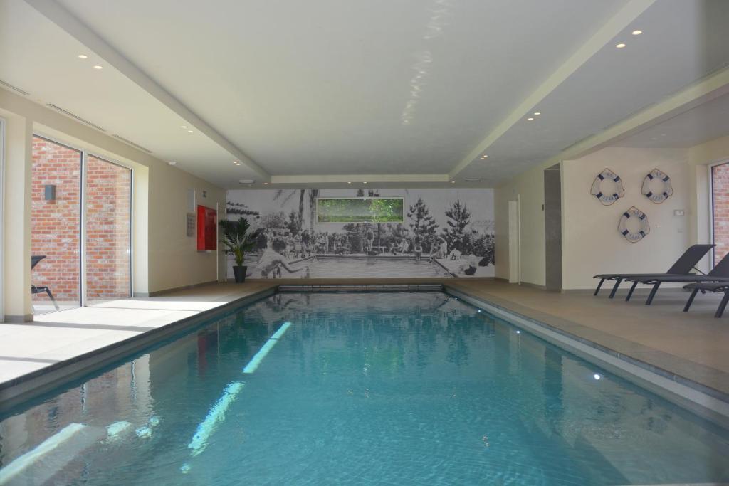 Duinenbloem ***** - Indoor Pool and Wellness, Jabbeke ...