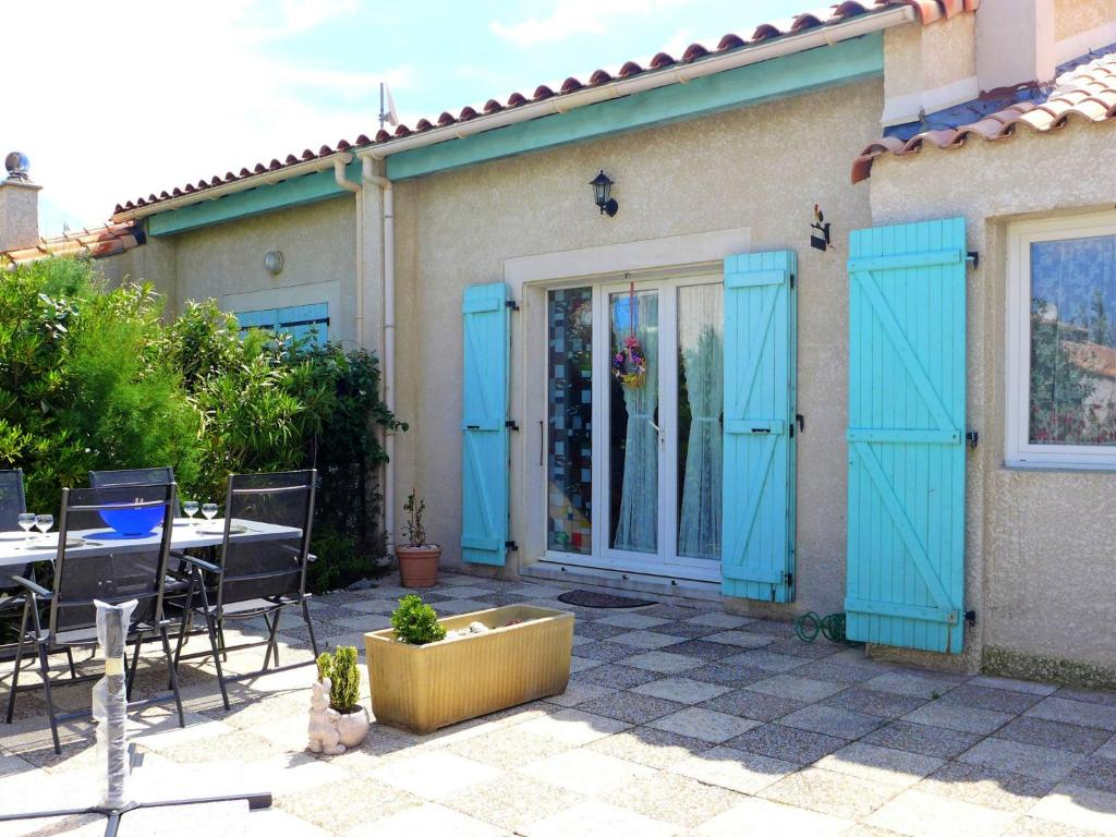 Plage Des Chalets A Gruissan vacation home rose des sables gruissan, france - booking