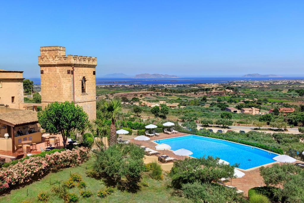 A view of the pool at Hotel Baglio Oneto dei Principi di San Lorenzo - Luxury Wine Resort or nearby