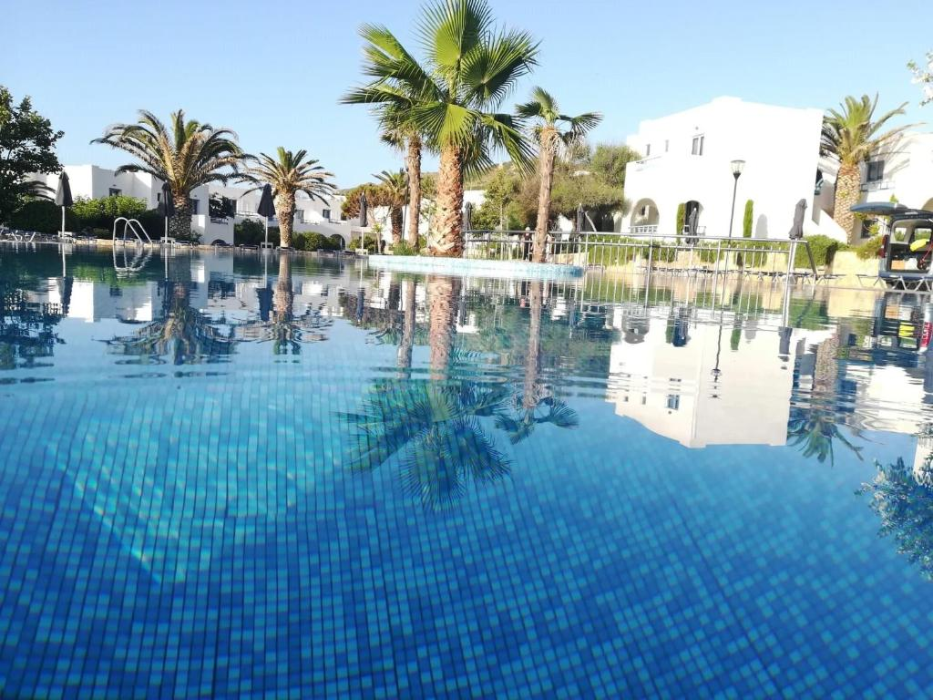 The swimming pool at or close to Skiros Palace Hotel