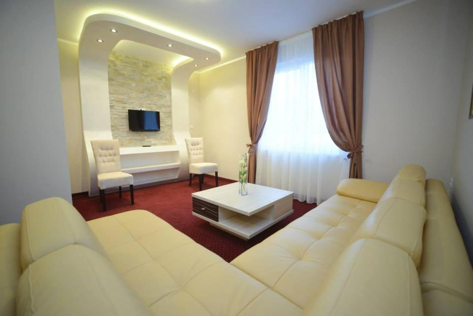 Hotel Stari Krovovi