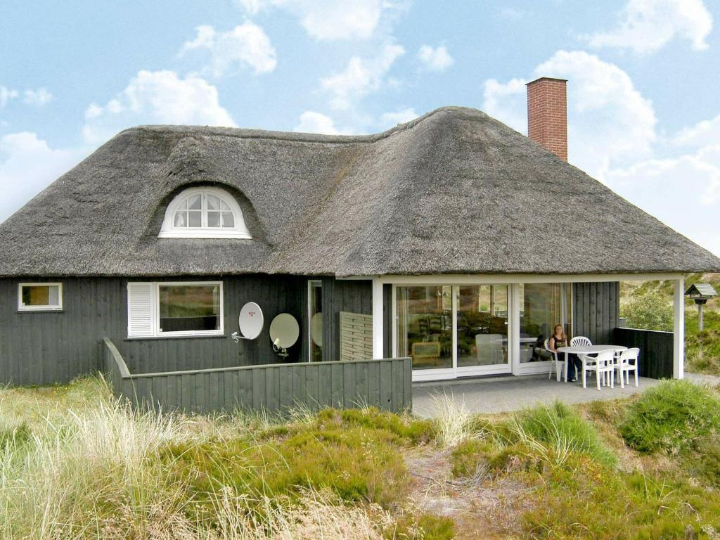 Five-Bedroom Holiday home in Oksbøl 2