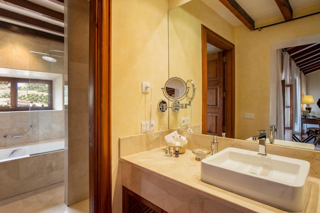 boutique hotels valldemossa  39