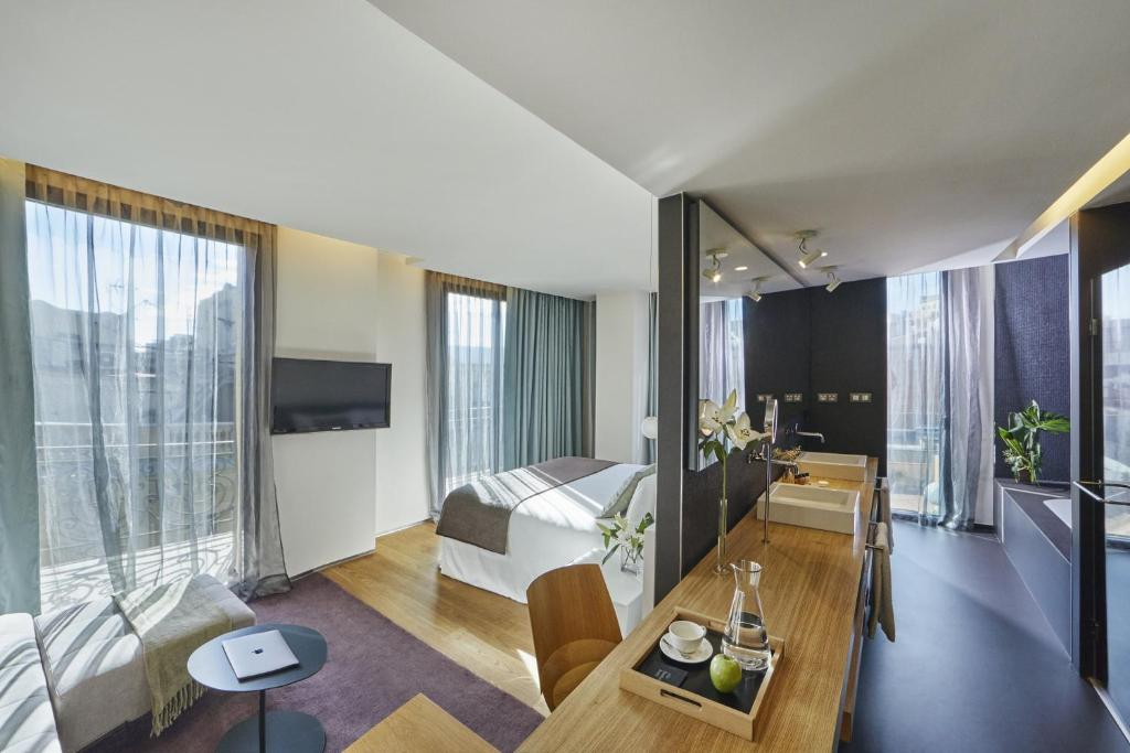 boutique hotels in barcelona  91