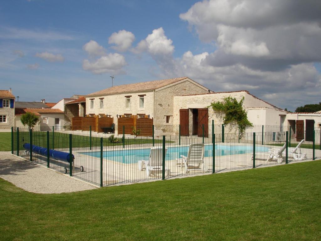 Apartments In Vouillé-les-marais Pays De La Loire