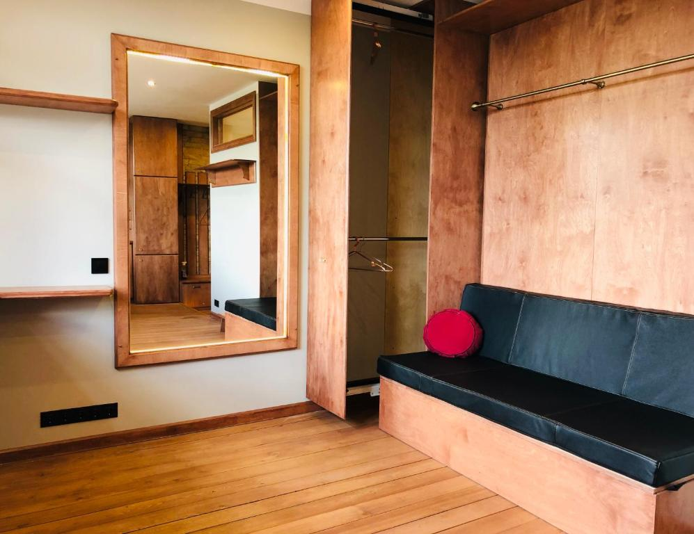 Marvelous Rose Gold Studio Luxury Apartment Riga Latvia Booking Com Lamtechconsult Wood Chair Design Ideas Lamtechconsultcom