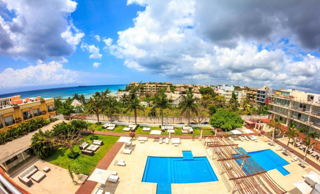 A view of the pool at Magia Playa by BRIC or nearby