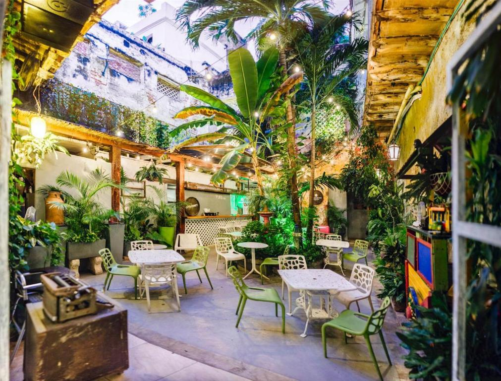 Be Lounge Hostel Cartagena De Indias Colombia Booking Com