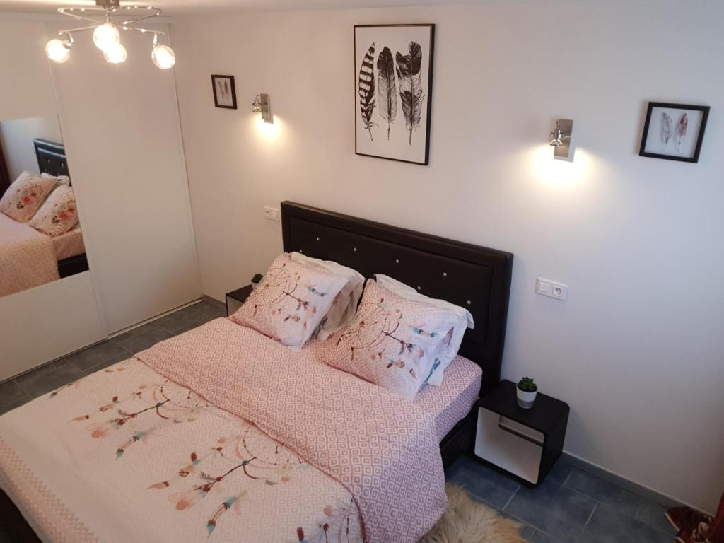 A bed or beds in a room at Apartment Avignon