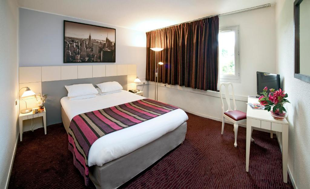 Hotel Golf Rosny Sous Bois France Booking Com