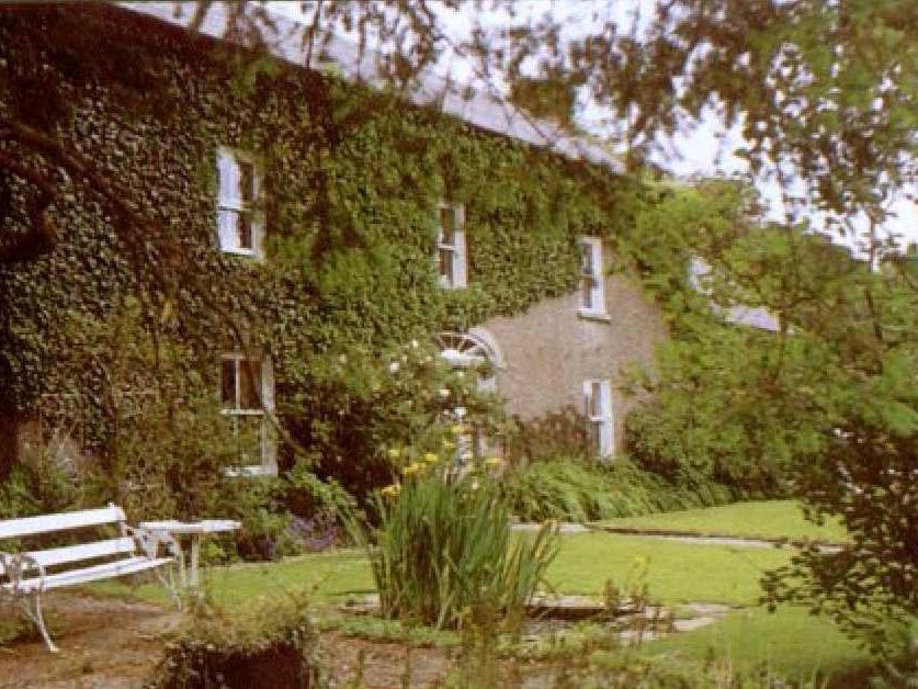A garden outside Cullintra House
