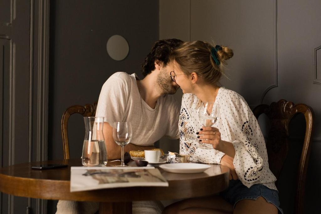 Dating-appen Sukker gir deg det største utvalget av single i Norge.