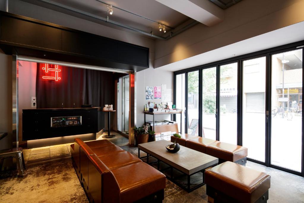 Зона вітальні в Grids Tokyo Akihabara Hotel&Hostel