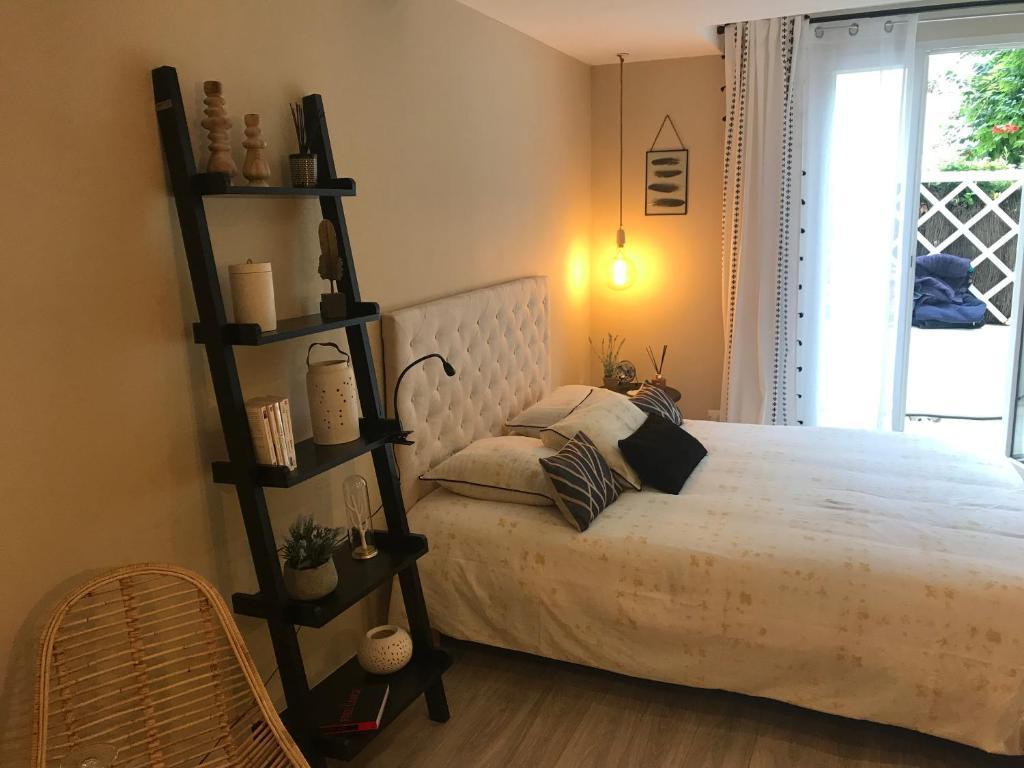 Decoratrice Interieur La Rochelle guesthouse cloutiers17, la rochelle, france - booking