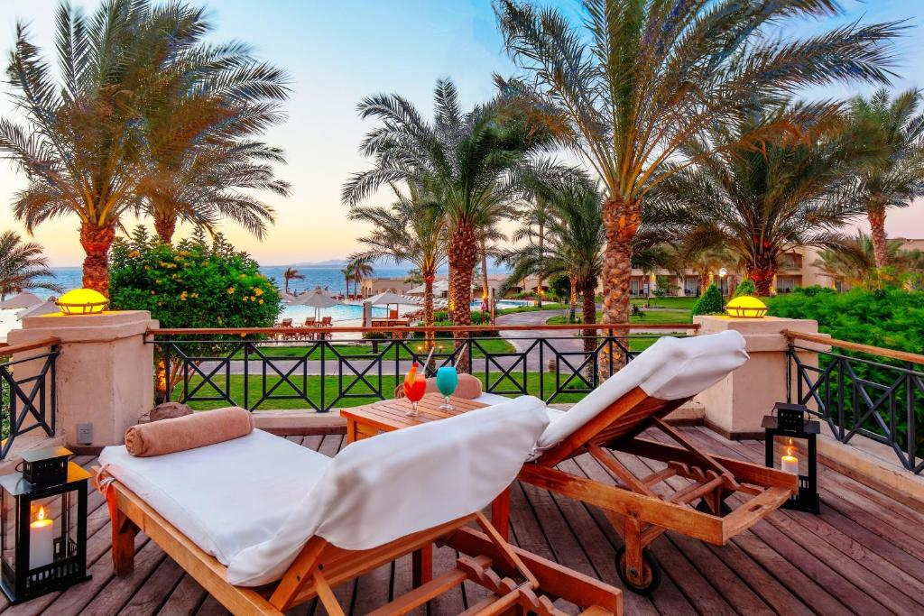 A balcony or terrace at Cleopatra Luxury Resort Sharm El Sheikh