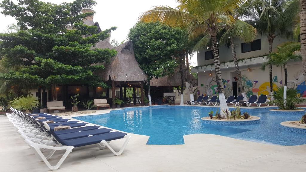 Piscina en o cerca de Jungle House Tulum Hotel & Hostal