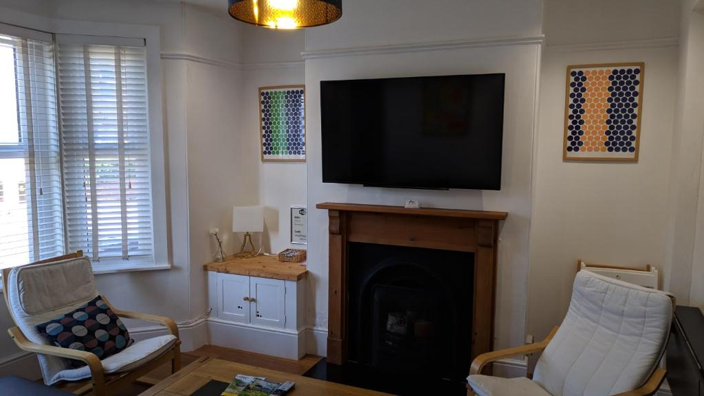 A television and/or entertainment center at Victoria House