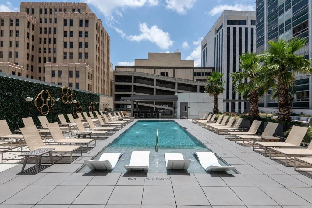 The swimming pool at or near Stay Alfred on Jackson Street