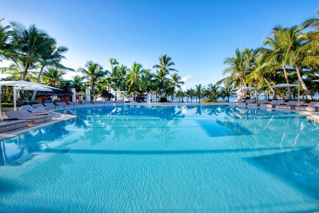 A piscina localizada em Viva Wyndham Dominicus Palace - All Inclusive ou nos arredores