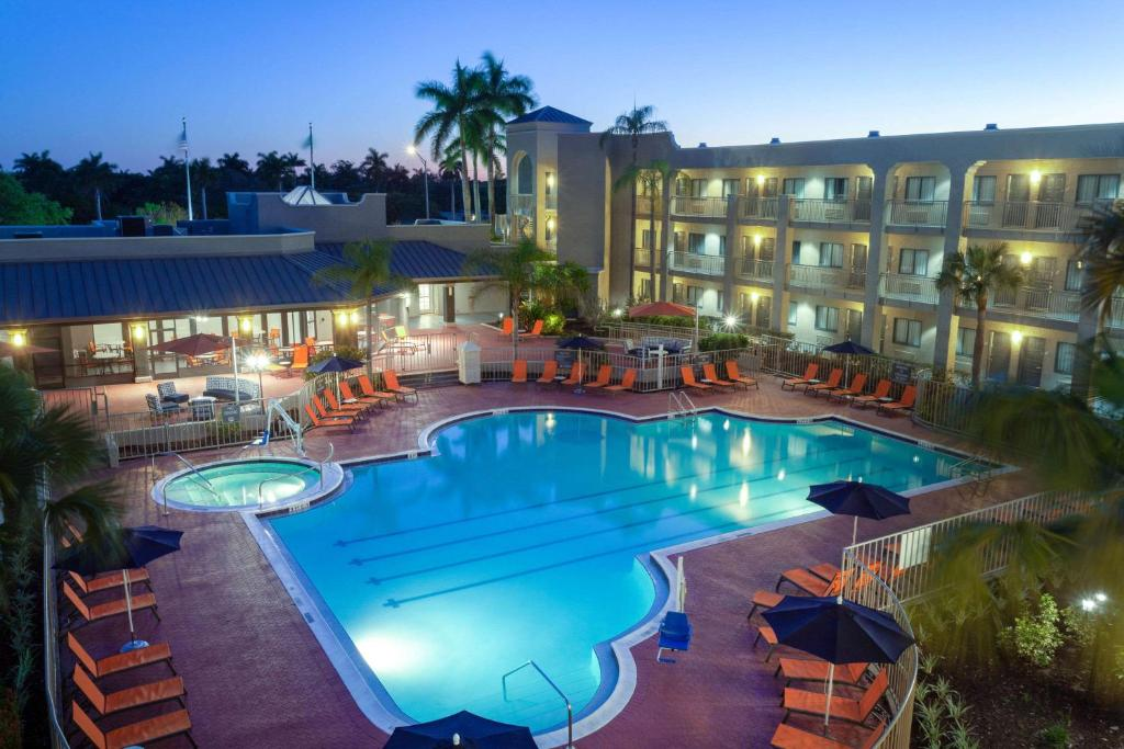 La Quinta Inn & Suites Ft. Myers Sanibel Gateway
