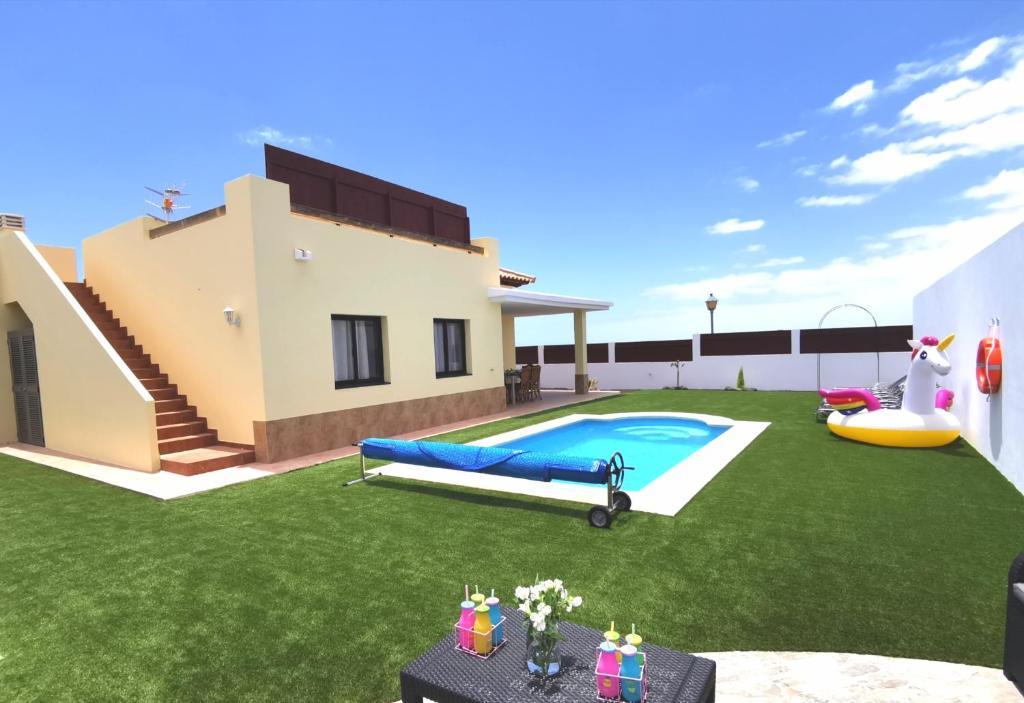 Villa Laura, centro de Caleta de Fuste, Caleta De Fuste ...