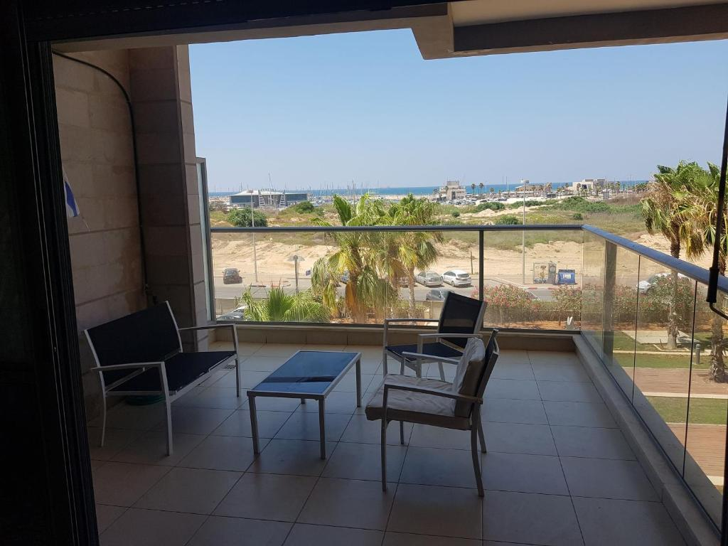 A balcony or terrace at Marina ashdod