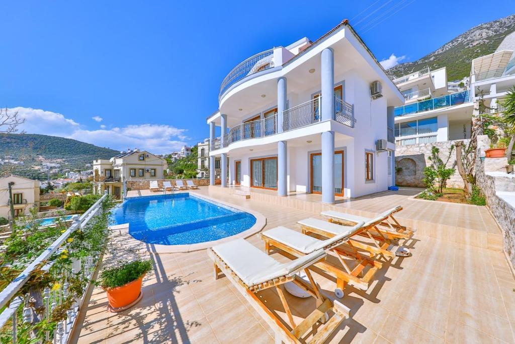 The swimming pool at or near Villa Sedef
