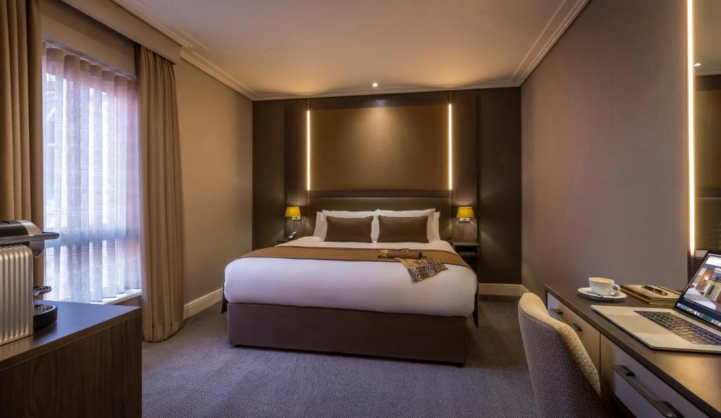 Cama o camas de una habitación en Belvedere Hotel Parnell Square