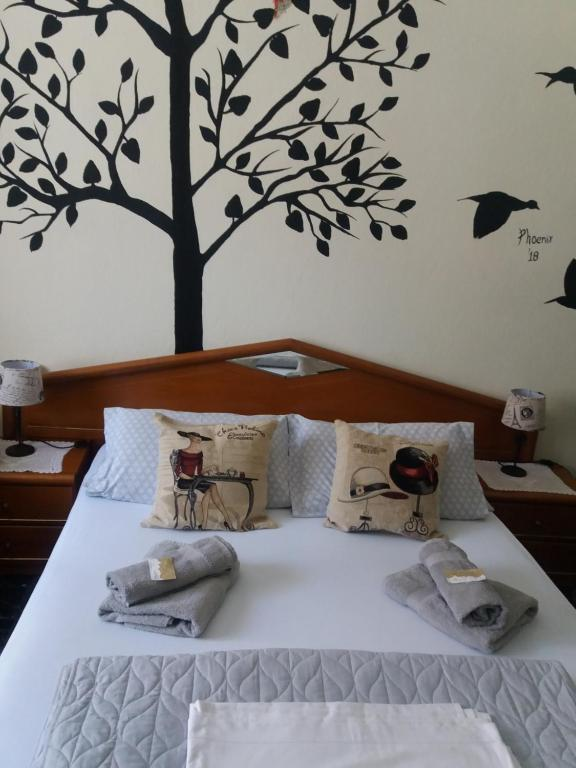 A bed or beds in a room at Vista delle Rocce