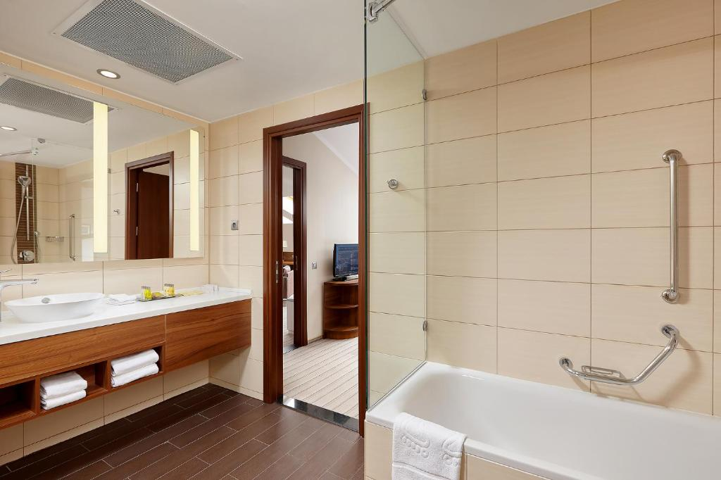 Ванная комната в Хилтон Гарден Инн Калуга