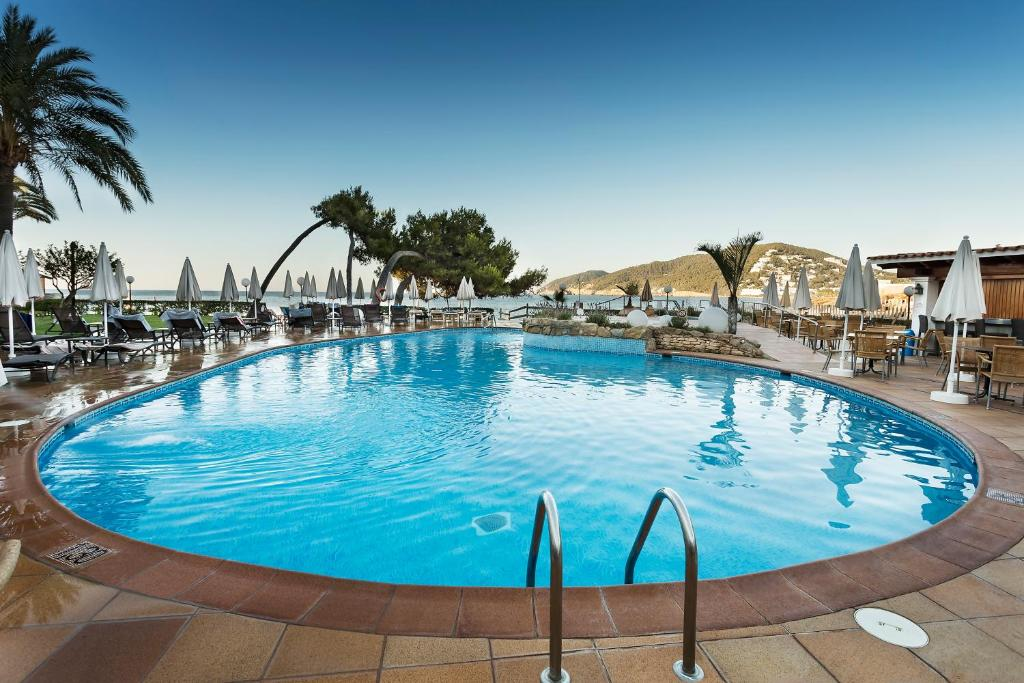 The swimming pool at or near Catalonia Ses Estaques - Adults Only