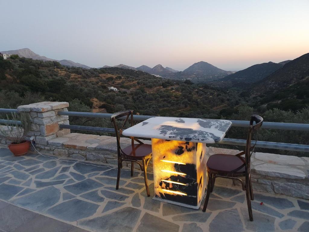 Elaiolithos Luxury Retreat In Naxos Khalkion Uppfaerd Verd Fyrir