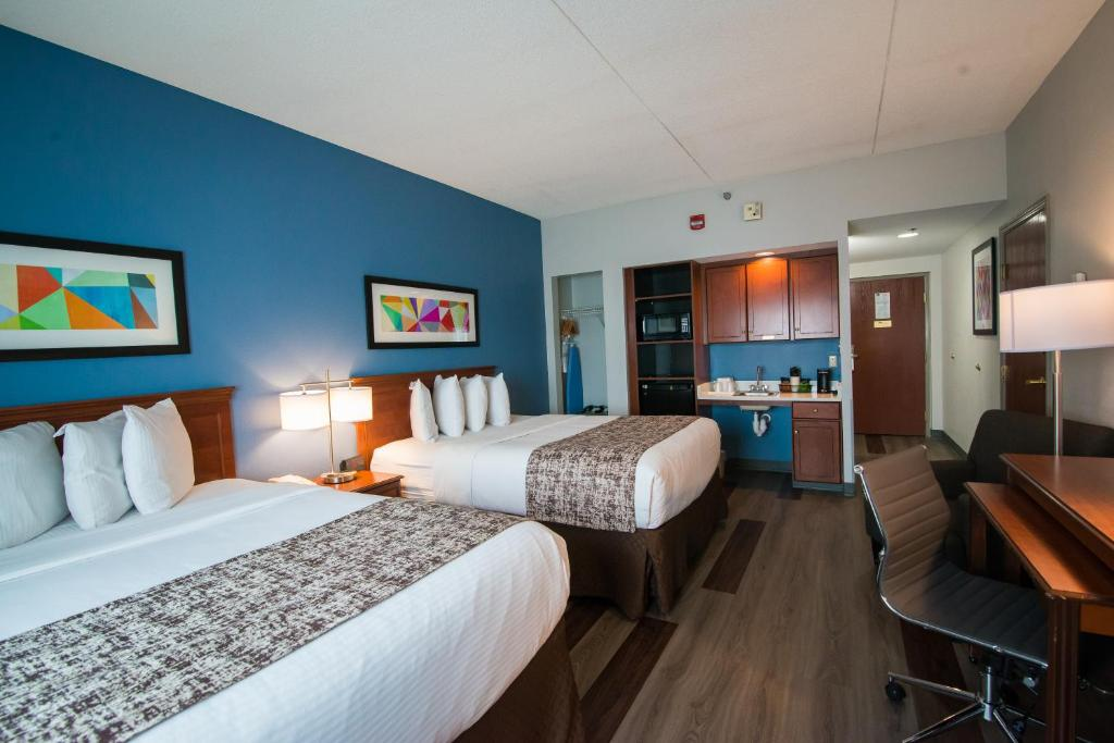 La Quinta Inn & Suites Louisville Airport & Expo