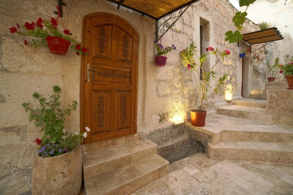 Фасад или вход в Melek Cave Hotel